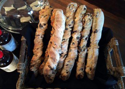 12495936_olive baguettes