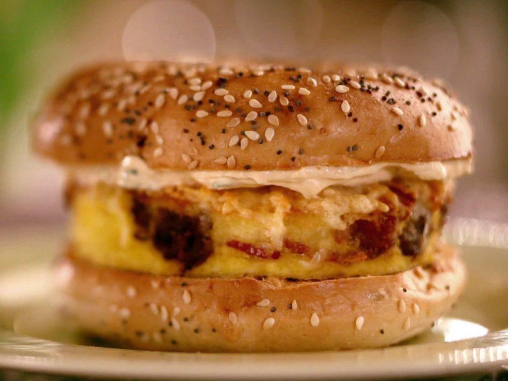 12525110_omlette sandwich