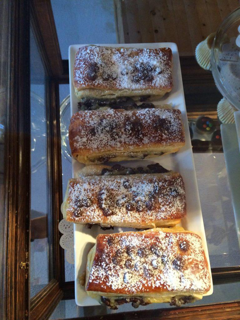 12783519_pastry