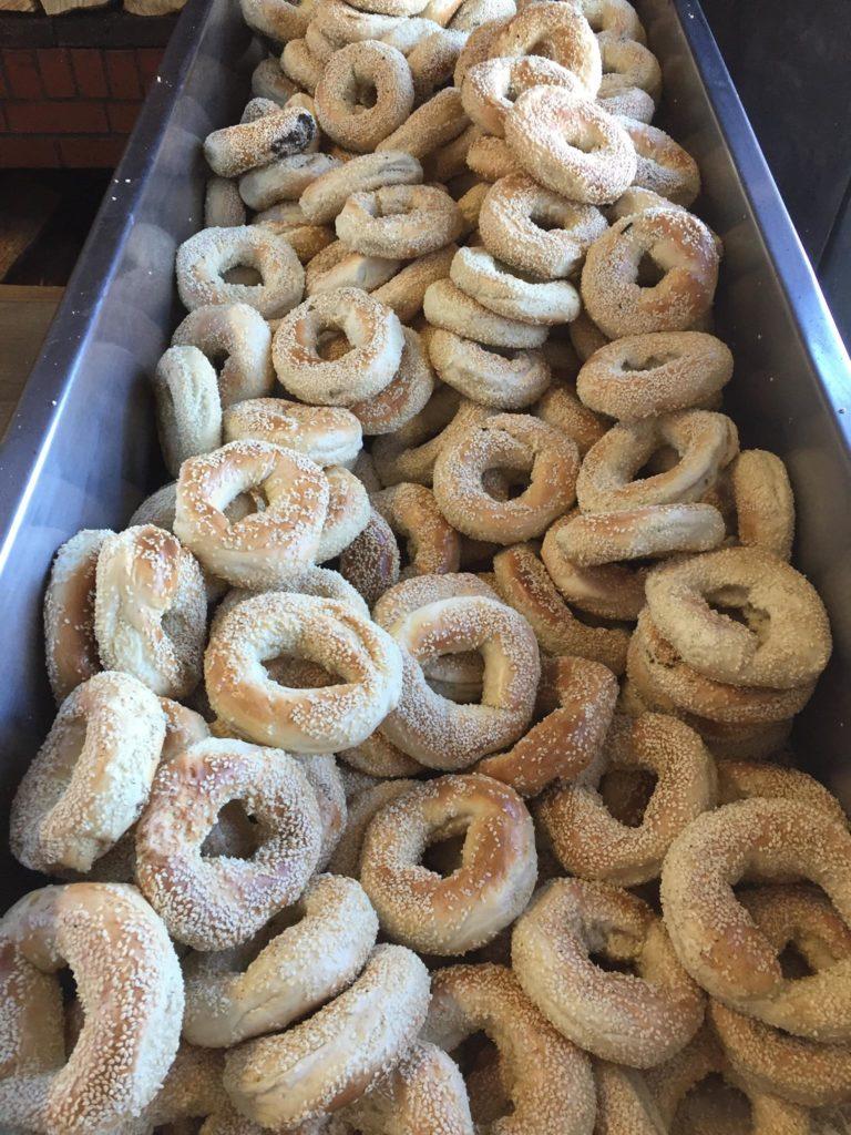 56915792_uncooked bagels