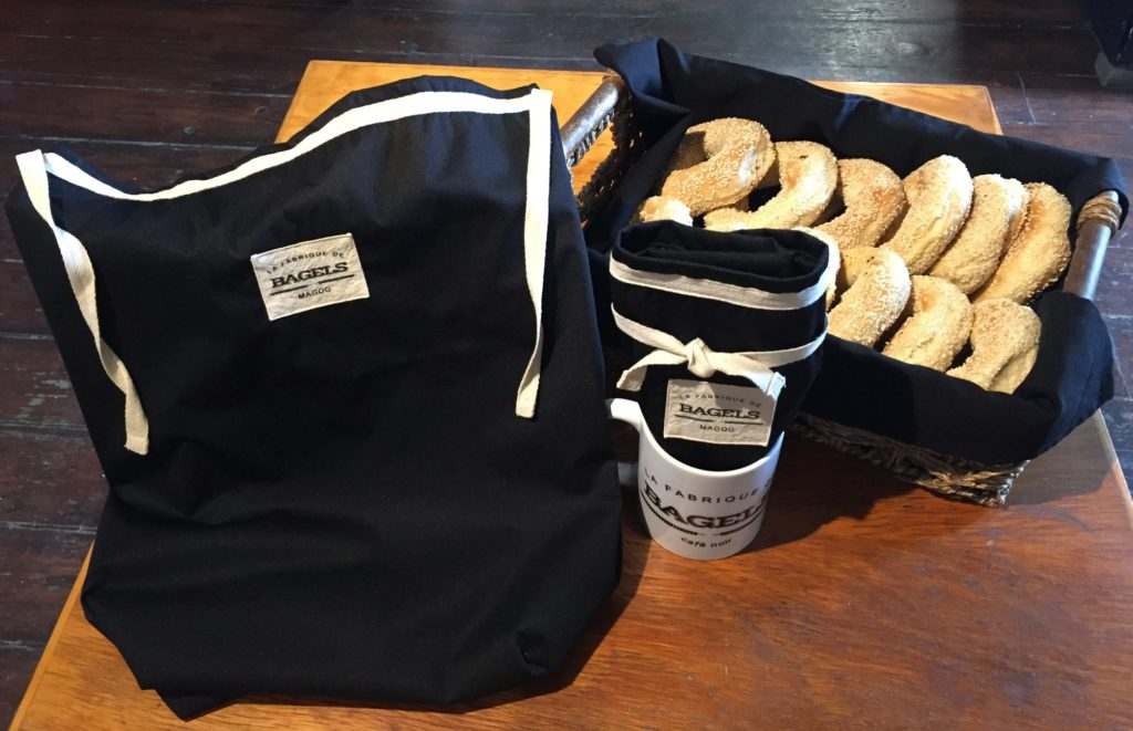 59022702_black bagel bag